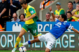 Pienaar Hoolahan Norwich Vs Everton