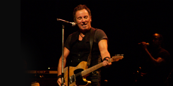 http://upload.wikimedia.org/wikipedia/commons/6/6e/Springsteen_with_Telecaster.jpg