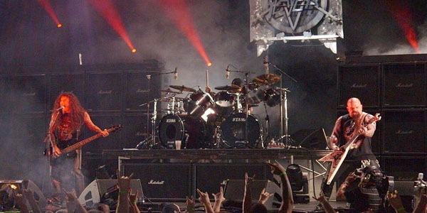 http://en.wikipedia.org/wiki/File:Slayer_Performing_at_Mayhem_fest_2009.JPG