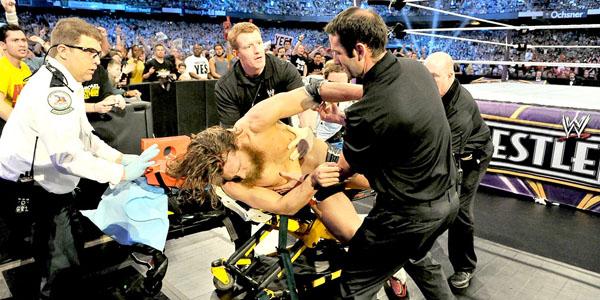 [Image: daniel-bryan-stretcher-wrestlemania.jpg]