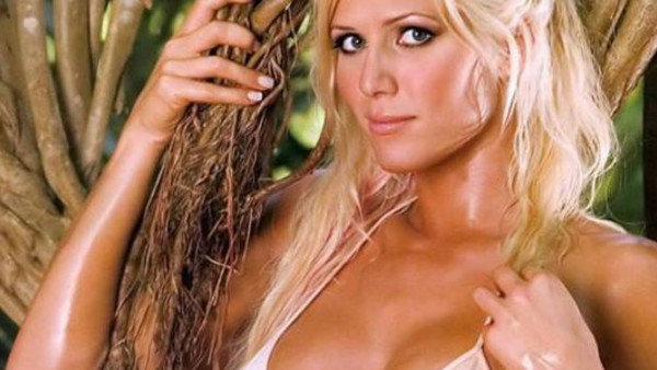 10 Wwe Divas Who Posed Naked