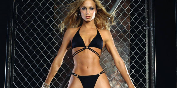 10 WWE Divas Who Refused To Get Naked - Page 10