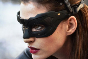 Anne Hathaway Catwoman Close