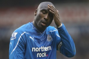 Newcastle United's Sol Campbell stands dejected during the match