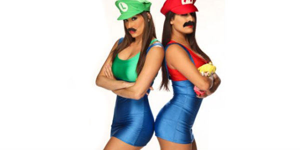 12 the bella twins - Wwe Halloween Divas