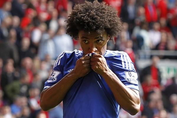 Chelsea's da Silva Willian celebrates after scoring his team's second goal