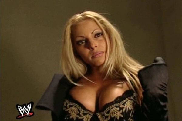20 Ikoniske Images Of Trish Stratus du vil se-3144
