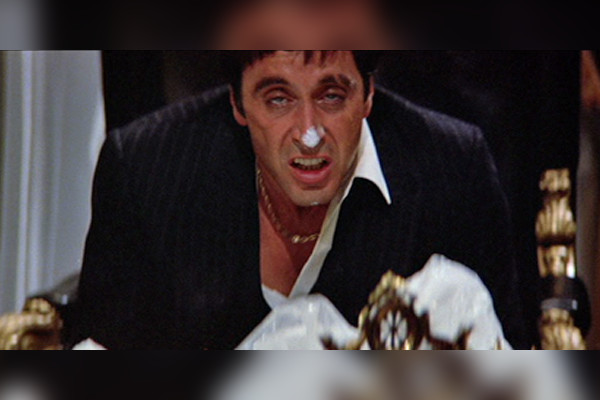 15 best movies about drugs and addiction in cinema history for Occhiali al pacino scarface