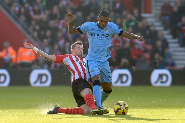 Southampton's Morgan Schneiderlin (left) and Manchester City's Fernandinho during the Barclays Premier League match at St Mary's Stadium, Southampton. PRESS ASSOCIATION Photo. Picture date: Sunday November 30, 2014. See PA story SOCCER Southam