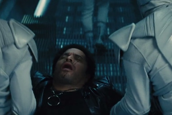 37 WTF Moments From The Hunger Games Movies - Page 11