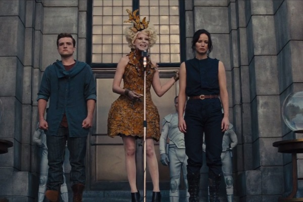 37 WTF Moments From The Hunger Games Movies - Page 14