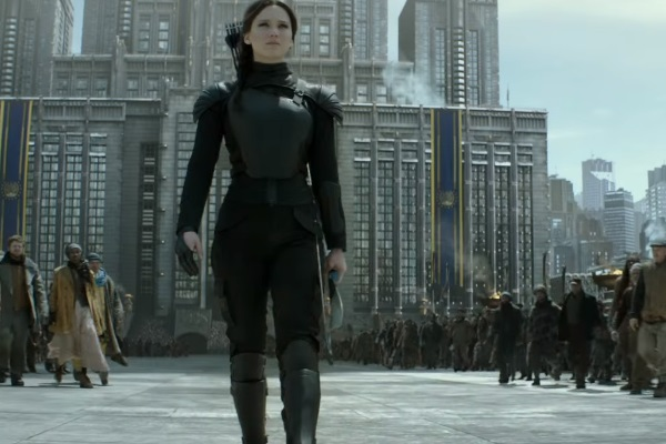 37 WTF Moments From The Hunger Games Movies - Page 16