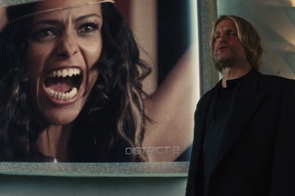 37 WTF Moments From The Hunger Games Movies - Page 8