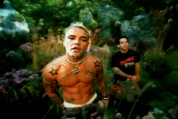 10 One-Hit Wonders That Defined The Early 2000s