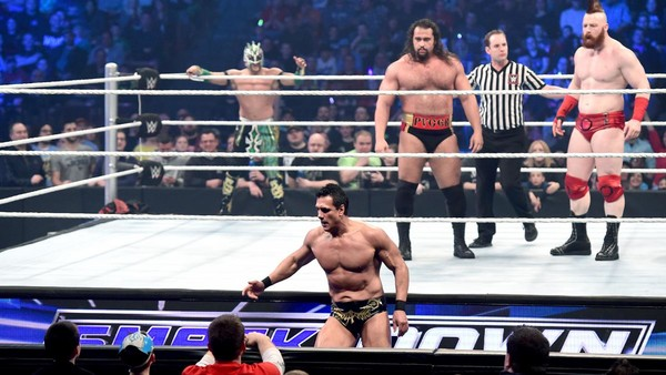 14 Wtf Moments From Wwe Smackdown April 28 Page 5