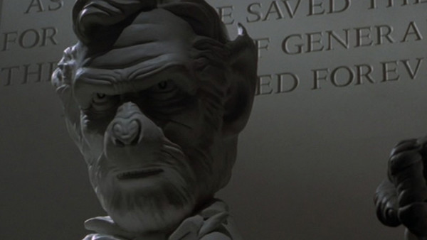 Planet Of The Apes 2001 Ending.jpg