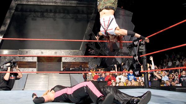 Lita Trish Stratus Raw 2004