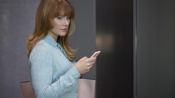 Black Mirror Season 3 Nosedive Bryce Dallas Howard 1