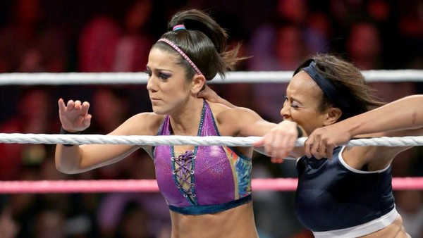 10 Ups And 6 Downs From Last Night's WWE Raw (Oct 10) – Page 2