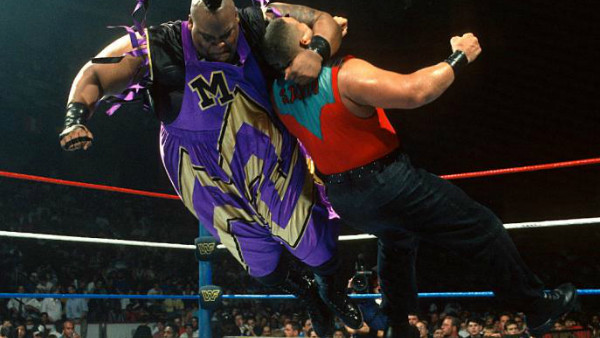8 WWE Matches Where The Crowd Was The Star – Page 3