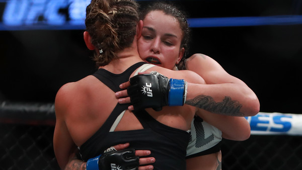 UFC 205: Tate v Pennington