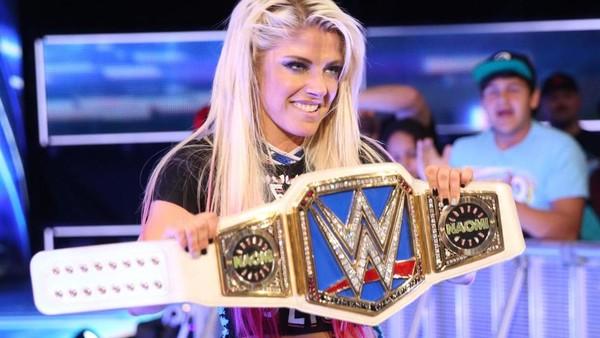 Alexa Bliss Wins WWE Women's Championship After Naomi