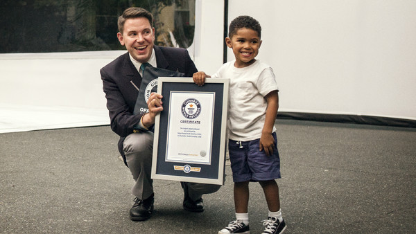 Watch 3 Year Old Joel Jovine And Volvo Trucks In The World S Largest Unboxing A New GUINESS WORLD RECORDS Title_1