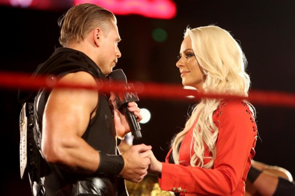 The Miz & Maryse Reveal Pregnancy On Tonight's RAW