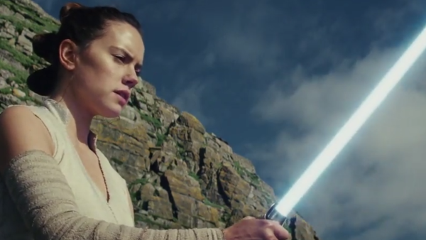 Star Wars The Last Jedi Trailer Rey Lightsaber
