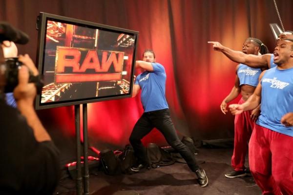 raw set smackdown