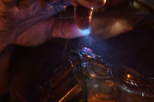 Avengers Infinity War Infinity Gauntlet Thanos