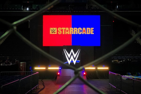 Guest Enforcer Arn Anderson Hit a Spinebuster at WWE Starrcade