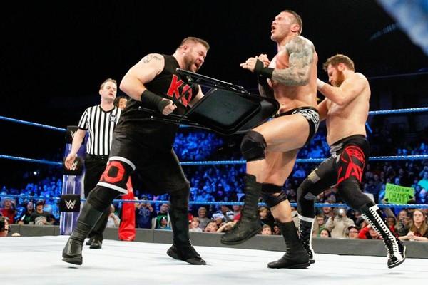 Kevin Owens Randy Orton