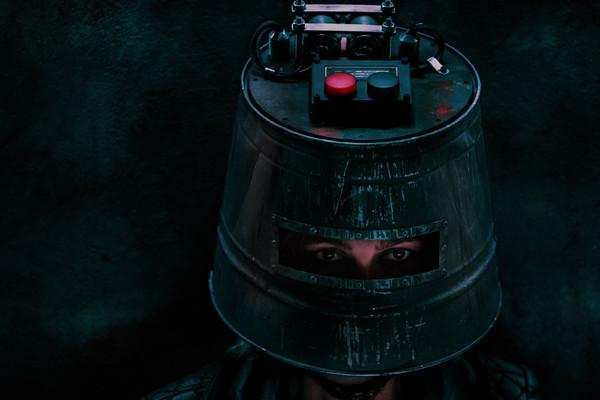 Jigsaw Bucket