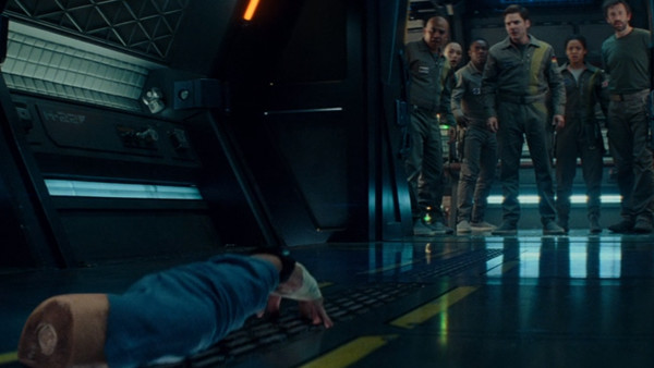 The Cloverfield Paradox 20 Wtf Moments