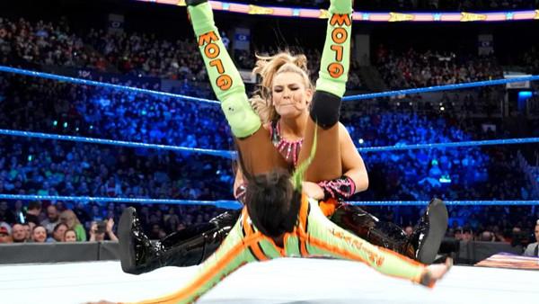 WWE Fastlane 2018 Natalya Naomi