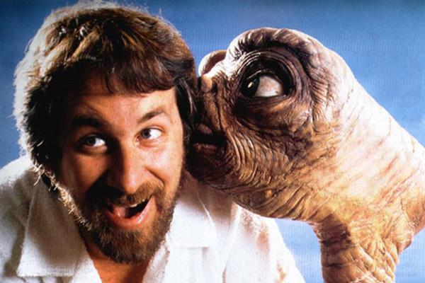 Steven Spielberg E T