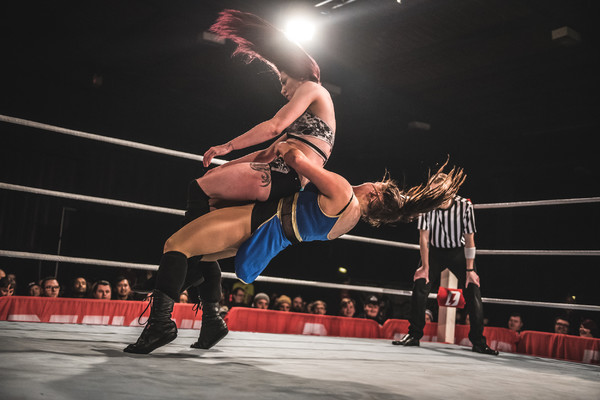 Sammii Jayne German suplexes Kay Lee Ray