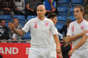 800px Jonjo Shelvey And Jordan Henderson