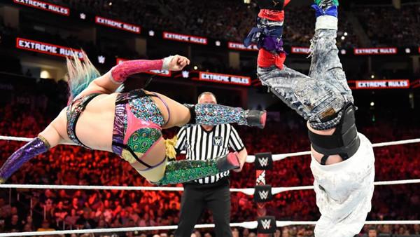 WWE Extreme Rules 2018 Asuka James Ellsworth