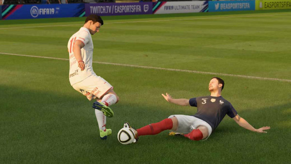 FIFA 19 Slide Tackle