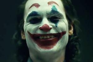 The Joker Origin: Joaquin Phoenix's Joker Reveal Is PERFECT