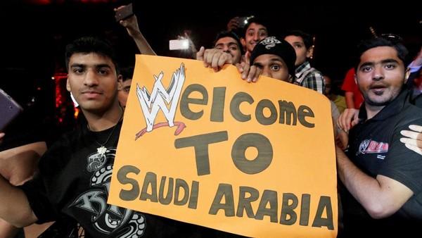 """Résultat de recherche d'images pour """"wwe in saudi arabia"""""""