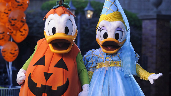 Donald Duck Daisy Duck MNSSHP Disney World
