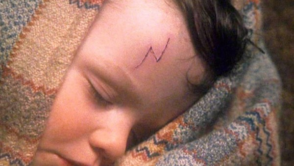harry potter and the philosopher's stone baby harry scar