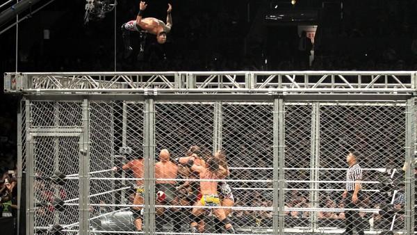 ricochet cage dive