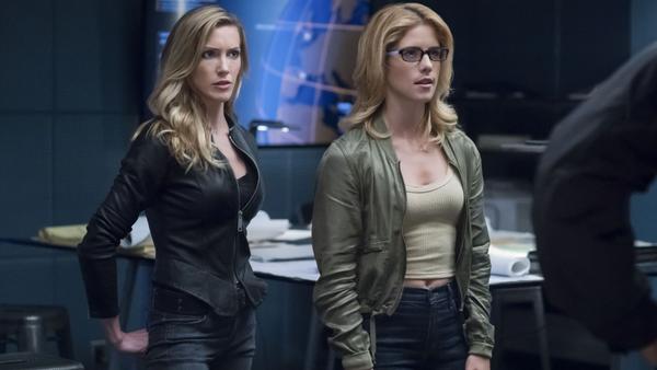Arrow S7 Laurel Felicity