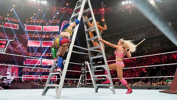 WWE TLC 2018 Charlotte Flair Asuka Becky Lynch