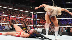 Charlotte Flair Ronda Rousey