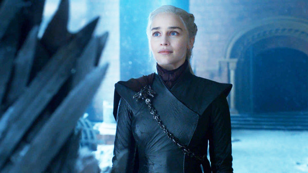 Game of Thrones Daenerys Iron Throne